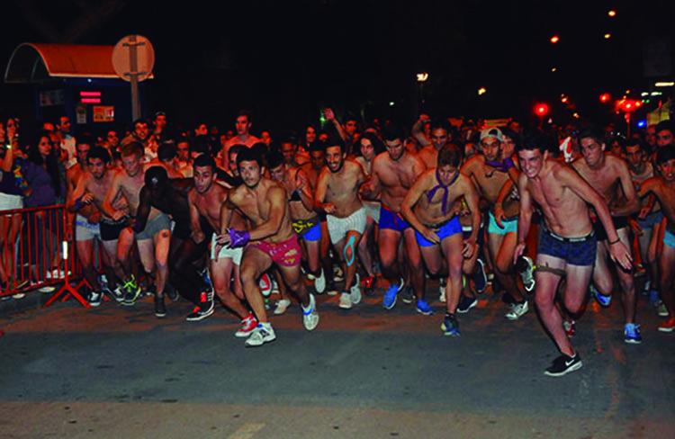 Cursa en roba interior  @ Av.Llibertat | Mollet del Vallès | Catalunya | Espanya