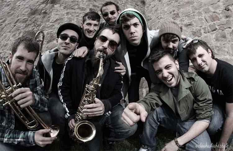 La Nit Destil·lada-Concert amb Atzagaia @ Parc de les Pruneres
